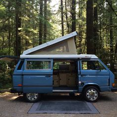 Pop it like its hot! 1984 VW Vanagon Westfalia