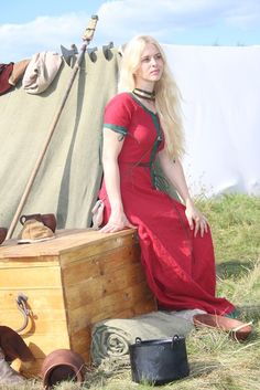 Thank you, Masha!  http://armstreet.com/store/medieval-clothing/fantasy-linen-dress-the-alchemists-daughter
