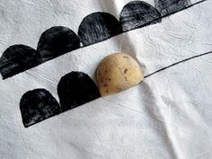 my scandinavian home: DIY - Half Moon Potato Print Tutorial for Moon Laundry Basket idea Potato Stamp, Potato Print, Stencil, Fabric Stamping, Arts And Crafts, Diy Crafts, Idee Diy, Tampons, Fabric Painting