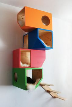 Colorful Catissa, Modular Cat House by CatissaCatTrees on Etsy Modern Cat Furniture, Pet Furniture, Niche Chat, Wooden Cat Tree, Monday Cat, Cat Heaven, Cat Towers, Cat Condo, Cat Room