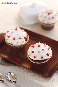 RED VELVET CUPCAKE, un peccato di gola in formato mignon da concedersi senza rimorsi! #ricetta #GialloZafferano: http://ricette.giallozafferano.it/Red-velvet-cupcake.html #italianrecipe