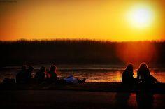 L'ultimo spettacolo ... #tramonto #peaceinpo #sunset #sunsetlovers #instasunset #sunrise #sunshine #all_sunsets #beautiful #sky #skylovers #instasky #sun #love #horizon #colors #gold #instacolor #instalove #instagood #all_shots #photooftheday #ig_reggioemilia #emiliaromagna_bestsunset #italia_bestsunset #igersreggioemilia #volgoreggioemilia #cool #instacool #turismoer #igersreggioemilia by riccardoruina