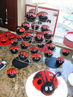 Cupcakes and cake at a Ladybug Party #ladybug #partycake
