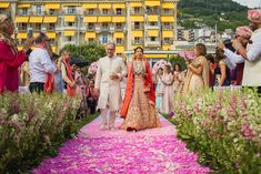 Modern bridal entry songs the best bridal entry ideas ever seen modern wedding ceremony entrance songs Lilac Wedding, White Wedding Flowers, Wedding Colors, Dream Wedding, Wedding Bouquet, Summer Wedding, Indian Wedding Pictures, Wedding Images, Indian Wedding Songs