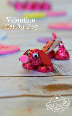 Make a Candy Dog for a Fun Kid's Valentine's Day Craft and Treat Make a Valentine's Candy Dog for a Fun Kid's Craft and Treat – Easy and Fun to Make! Made from Hershey's Kisses and Smarties Candy. Kinder Valentines, Valentine Gifts For Kids, Valentines Day Treats, Valentine Day Crafts, Valentine Party, Valentines Ideas For School, Valentines Ideas For Preschoolers, Cute Valentines Day Cards, Cute Valentines Day Ideas