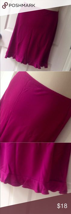 New York & Co. Fuchsia Jersey Knee-Length Skirt Adorable skirt with a flirty ruffled hemline from NY&Co. Skirt is a stretchy jersey material and has a scalloped elastic waist. Perfect skirt for work or play in fantastic previously-worn condition. New York & Company Skirts Midi