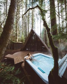 Who would you take on a weekend get away here? Skykomish Washington. Photos by @bdorts