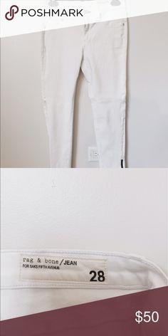 Rag & Bone Jeans Rag & Bone Jeans! Questions about item are welcomed! :) rag & bone Jeans Skinny