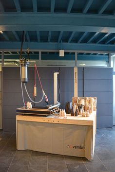 VormVrij |3D novemeber store pop-up stand. With the large 3d clay printer for demonstrations and product sales.