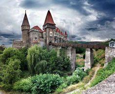 замок Корвинов, Румыния