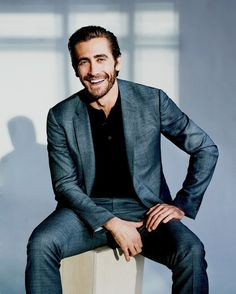 Jake Gyllenhaal You are in the right place about summer clothes Here we offer you the most beautiful pictures about the cool clothes you are looking for. When you examine the Jake Gyllenhaal part of t Photos Portrait Homme, Pose Portrait, Headshot Poses, Portrait Studio, Portrait Photography Poses, Men Photography, Actor Headshots, Mens Headshots, Inspiring Photography