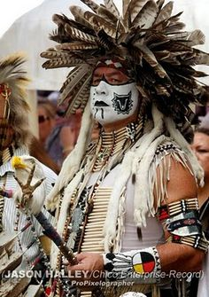 Hot Native American Men Dancing | Percy Edwards, of the Colville tribe, and other Native Americans dance ...