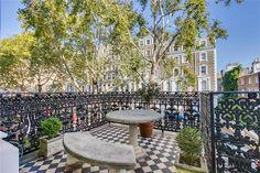 Chestertons - Knightsbridge present this 2 bedroom flat in Beaufort Gardens, Knightsbridge
