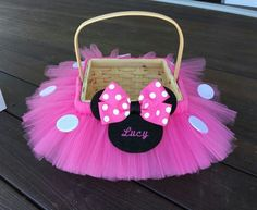 Shown above in bubblegum pink. Choose monogram to have name or initials on the Minnie head. This basket can be done to match any costume in my shop. The Minnie is done in either red, pink, or purple with white polka dots with felt Minnie appliqué. Minnie Maus Halloween, Minnie Mouse 1st Birthday, Minnie Mouse Baby Shower, Minnie Mouse Party, Bumblebee Halloween, Mickey Mouse, Girl Gift Baskets, Easter Gift Baskets, Baby Shower Baskets