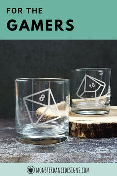 Al six polyhedral DND dice on Whiskey glasses. Hand etched and great gifts for the dungeon master or your entire adventuring party. Cocktails On The Rocks, Whiskey Cocktails, Classic Cocktails, Bar Geek, Engraved Glassware, Cocktail Glassware, Wedding Toasting Glasses, Cocktail Garnish, Personalized Wine Glasses