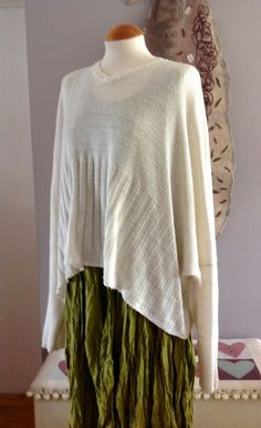 b1868455d9 Pristine shirin guild cream V neck wide cropped lagenlook bamboo sweater  jumper Creative Knitting