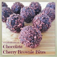 Cherries make an excellent addition to chocolate desserts Raw Vegan Desserts, Raw Vegan Recipes, Vegan Dessert Recipes, Cooking Recipes, Vegan Raw, Chocolate Treats, Chocolate Cherry, Cherry Brownies, Superfood Recipes