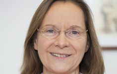 Nach einem Jahr Vakanz wird das Team der Krankenhausseelsorge wieder verstärkt: Cornelia Krappitz wurde als Krankenhausseelsorgerin für alle drei Krankenhäuser in Bergisch Gladbach ernannt.