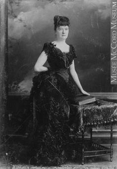 1886 #bustle #fashion #victorian