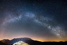 17 Stellar Photographs That Will Prepel You on a Journey Through the Universe