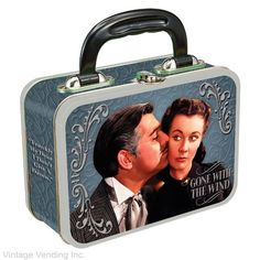 a gone with the wind lunch box! but this one is ugly . Lunch Box Thermos, Tin Lunch Boxes, Vintage Lunch Boxes, Metal Lunch Box, Whats For Lunch, Out To Lunch, Music Themed Rooms, Film Music Composers, School Lunch Box