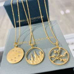 Sunflower Necklace, Rose Necklace, Rose Gold Earrings, Jewelry Art, Silver Jewelry, Fine Jewelry, Jewelry Design, Couple Necklaces, Gold Necklaces