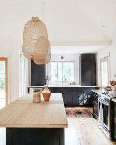 woven pendants over island bohemian kitchen lighting Black Kitchen Cabinets, Black Kitchens, Dark Cabinets, Kitchen Backsplash, Wooden Kitchens, Kitchen Island, Home Decor Kitchen, Interior Design Kitchen, Kitchen Ideas