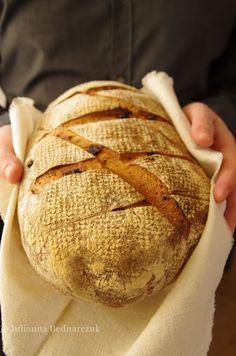 Obiad gotowy!: Chleb pszenny z suszonymi pomidorami i czosnkiem
