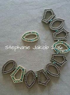 Creationen aus Perlen's photo. Seed Bead Necklace, Seed Bead Jewelry, Bead Jewellery, Bead Earrings, Beaded Jewelry, Jewelery, Handmade Jewelry, Beaded Necklace, Beaded Bracelets