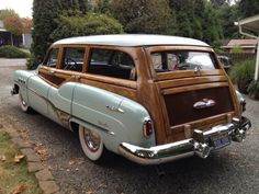 Learn more about 1951 Buick Super Estate Wagon on Bring a Trailer, the home of the best vintage and classic cars online. Best American Cars, Buick Roadmaster, Buick Cars, Woody Wagon, Classic Cars Online, Online Cars, Vintage Surf, Classic Motors, Unique Cars
