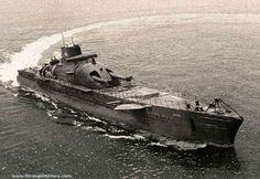 STRANGE WWII JAPANESE SUBMARINE - HUGE GUNS! Actually French cruiser sub Surcouf. Lost under mysterious circumstances, believed rammed by US freighter in 1942. Guns are 8 inch.