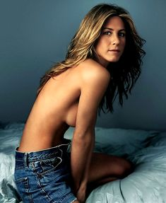 topless and hot pic of jennifer aniston in jeans – CelebrityRevealer Jennifer Aniston Hot, Jennifer Aniston Pictures, John Aniston, Marley And Me, Popular Actresses, Actor John, Naturally Beautiful, Her Smile, Beautiful Actresses