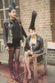 Old-school punk, which set the template 80s Punk, Teddy Boys, Agent Provocateur, Mode Punk, Punk Rock Girls, Grunge, New Wave, Gothic, 1970s