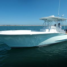 The Winter 27 is a highly customized center console, featuring classic Carolina boat styling with an outboard power package. Fishing Yachts, Center Console Fishing Boats, Offshore Fishing, Boat Fashion, Boat Stuff, Super Yachts, Boat Design, Salt And Water, Wooden Boats