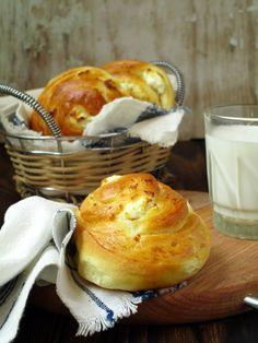 Много лесна и вкусна закуска! Може да си ги приготвите когато имате повече време, да ги замразите и после да ги изпечете за закуска в п...