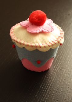 Fairy cake trinket box  http://www.etsy.com/listing/66690831/felt-crafts-diy-fairy-cake-trinket-box