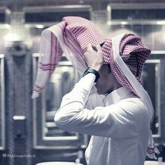 / Who can not reach you . Talking bad about you? Arab Men Fashion, Muslim Fashion, Boy Fashion, Mens Fashion, Muslim Men, Muslim Couples, Arab Couple, Couple Art, Saudi Men