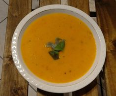 Rezept Einfache, schnelle, Kcal-Reduzierte Kürbissuppe von Rennmaus90 - Rezept der Kategorie Suppen