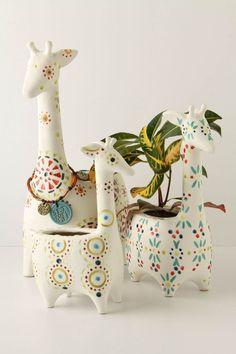 Eep! Giraffe pots, the cutest safari ever