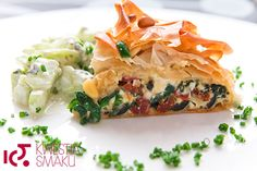 Phyllo spinach, feta and sun-dried tomato tart Feta, My Favorite Food, Favorite Recipes, Pizza Rustica, Sbs Food, Savory Tart, Incredible Edibles, Tzatziki, Dried Tomatoes