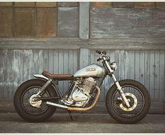 #classic #custommotorcycle #custommotorbike #motorcycle #motorbikes #motorcycles #scrambler #tracker #caferacer #deusexmachina #cruiser #nature #adventure #passion #design #vintage #vintagemotorcycle #vintagemotorbike #diy #diymotorcycle #hondacb #bmw #suzuki #suzukign250