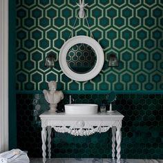 Grünes Badezimmer mit geometrischen Tapete Wohnideen Badezimmer Living Ideas Bathroom