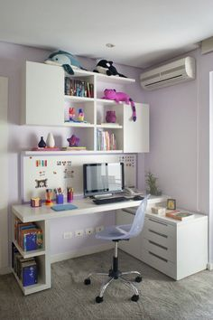 You won't mind getting work done with a home office like one of these. See these 20 inspiring photos for the best decorating and office design ideas for your home office, office furniture, home office ideas Home Office Design, Home Office Decor, Home Decor, Office Ideas, Desk Office, Office Designs, Office Setup, Interior Office, Office Style