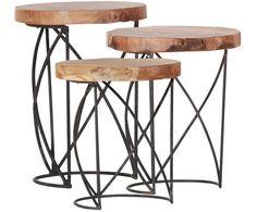 Hier treffen Gegensätze aufeinander! Die 3 Beistelltische LINA verführen mit filigranen Tischbeinen aus lackiertem Metall und einer rustikalen Tischplatte aus recyceltem Teakholz. Dieser Tisch hält die perfekte Balance zwischen Natur und modernem Design.