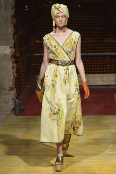 https://www.vogue.com/fashion-shows/spring-2018-ready-to-wear/antonio-marras/slideshow/collection#4