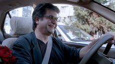 TAXI TEHERAN de Jafar Panahi / Jafar Panahi continue à braver la censure et arrive à filmer dans les rues de la capitale iranienne à travers les vitres d'un taxi. Mi-fiction, mi-documentaire, ce film est surtout une formidable déclaration d'amour au cinéma et à la liberté ! Ours d'or au festival de Berlin en 2015.