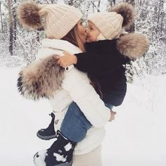Winter mode 🔛 via Winter Family Pictures, Snow Pictures, Winter Photos, Baby Pictures, Baby In Snow, Baby Winter, Mommy And Son, Mom And Baby, Mother Son Photos