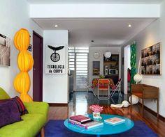Colorful interior design for a small apartment 4