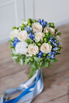 Lots of brides may know the wedding flower they want in their own bouquet, but are a little mystified about the rest of the wedding event flowers required to complete the event and reception.