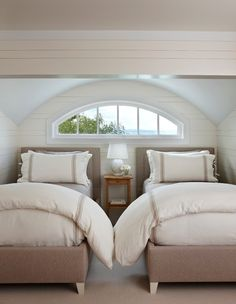Love the simplicity of this guest room.